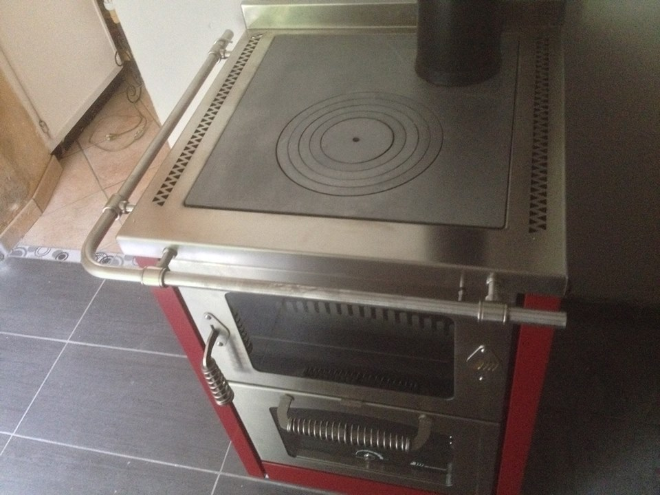 cuisiniere-a-bois-de-manincor-yvelines-78000