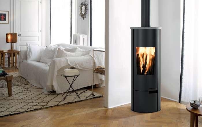 poele a bois central design affordable foyer moderne. Black Bedroom Furniture Sets. Home Design Ideas